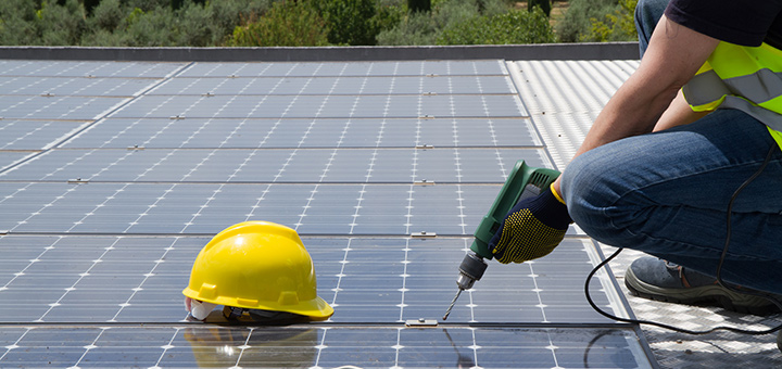 Solar Panel Tax Credits, Rebates, and Savings in the United States
